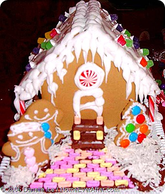 Gingerbread House 2006 (4)-web