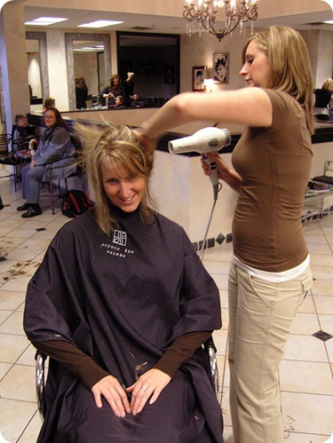Hair-Blowout-Salon-att-bradleypjohnson.jpg
