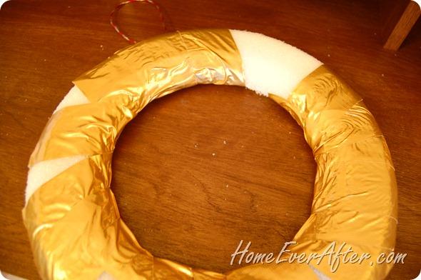 Duck Tape Christmas Wreath (16)