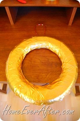 Duck Tape Christmas Wreath (17)