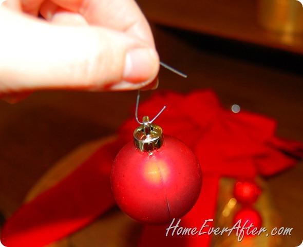 Duck Tape Christmas Wreath (25)