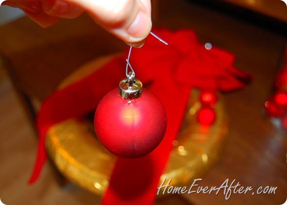 Duck Tape Christmas Wreath (26)