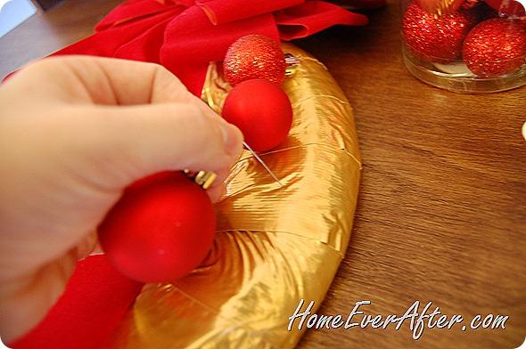 Duck Tape Christmas Wreath (29)
