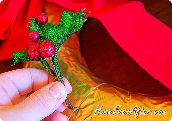 Duck Tape Christmas Wreath (32)