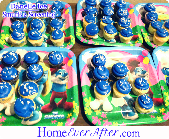 42 Smurfs 2 Danelle Ice Smurf Cupcakes