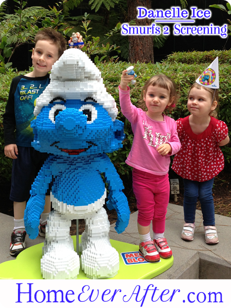 51 Smurfs 2 Danelle Ice Family with Lego Smurf